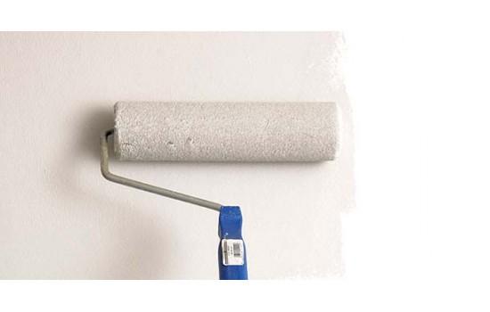 Vægge med tapet eller anden vægbeklædning som skal males