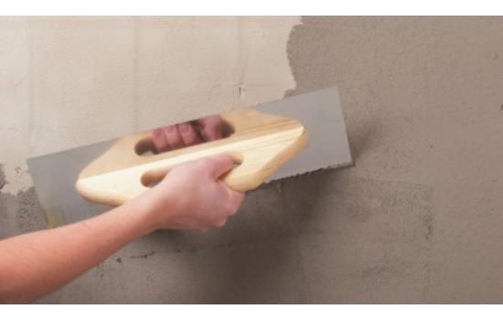 Forarbejde på nypudsede Vægge