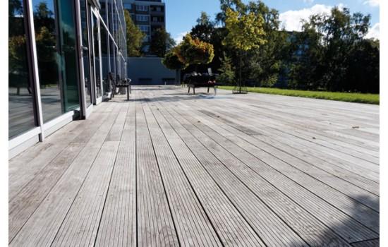 Sådan giver du træbeskyttelse til din terrasse